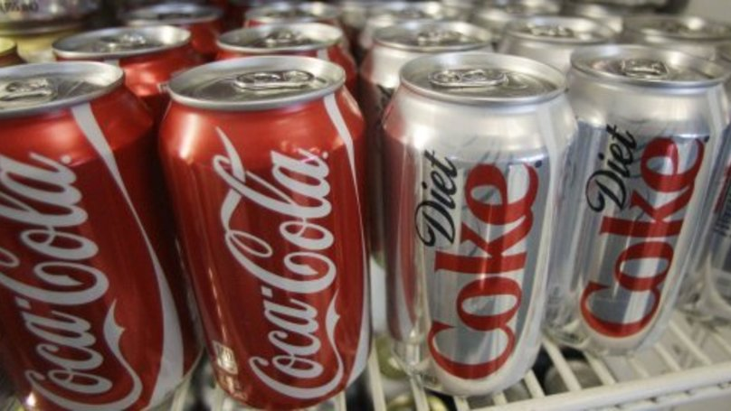 Science Has Finally Figured Out If Tapping A Coke Can Stops It Fizzing Up