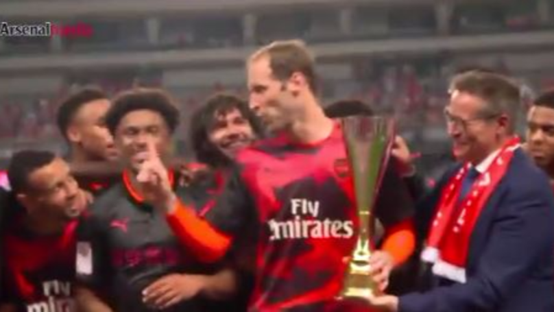WATCH: Arsenal Fans Are Loving Petr Cech's Response To Meaningless Trophy