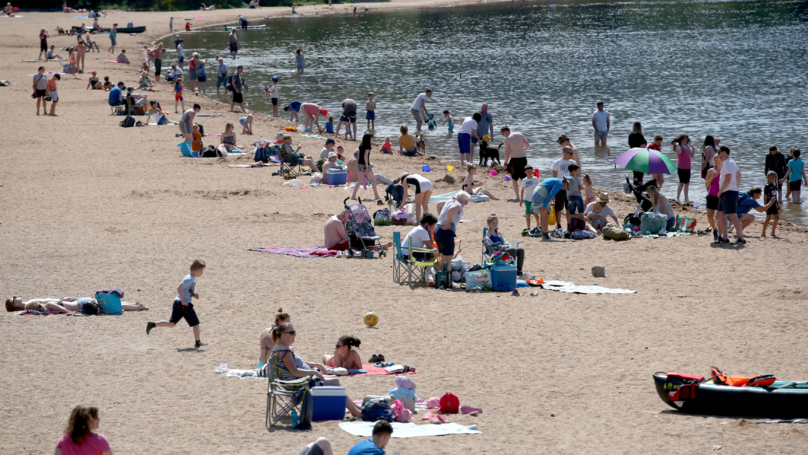 UK Is Set To Sizzle With Temperatures Hitting 30C