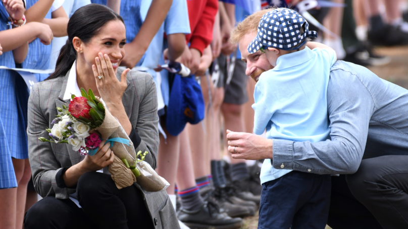 Adorable Moment Little Boy Hugs Prince Harry And Pulls His Beard On Australia Tour