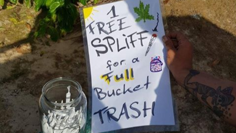 Man Gives Holidaymakers A Free Spliff When They Collect A Bucket Of Beach Rubbish