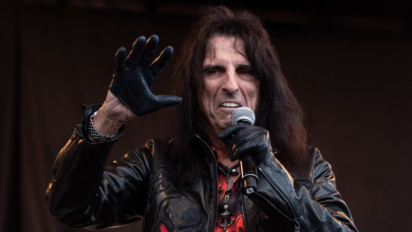Alice Cooper Reveals Death Pact He Has With Wife Of 43 Years