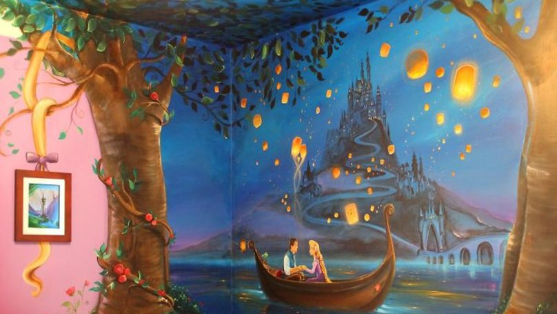 This Mum Painted An Incredible Disney Tangled Mural On Her