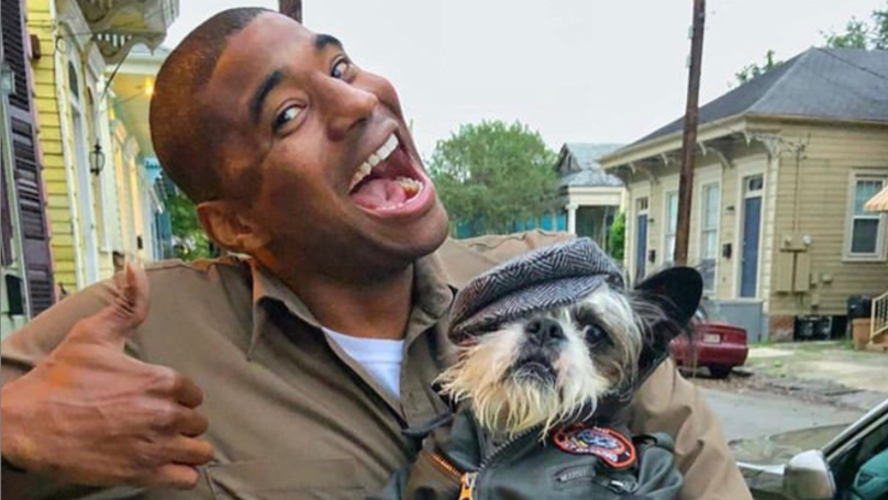 UPS Guy Shares Photos Of The Dogs He Meets On His Route