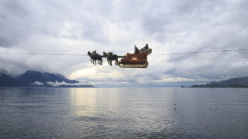 You Can Track Santa Claus As He Delivers Gifts Across The World