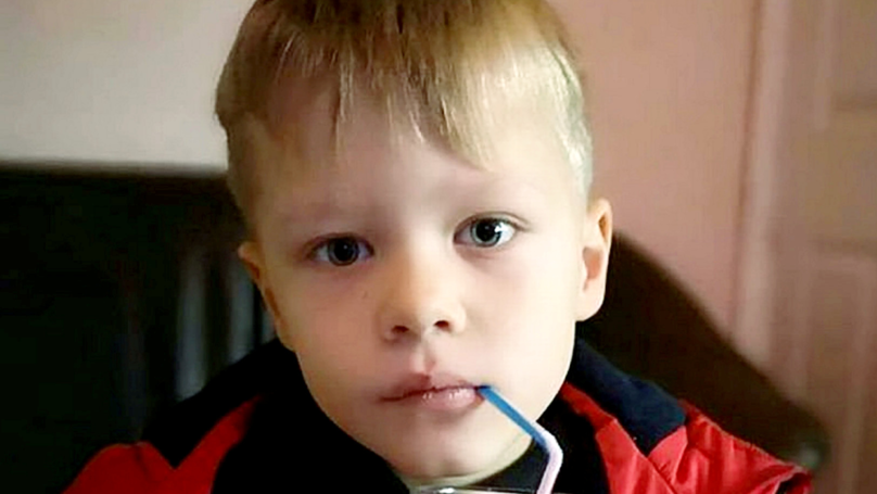 Mum Furious After Six-Year-Old Son's Front Teeth Knocked Out By Hammer During School Lesson