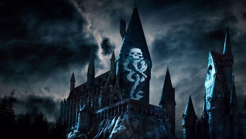 The Wizarding World Of Harry Potter Is Getting A New 'Dark Arts' Light Show
