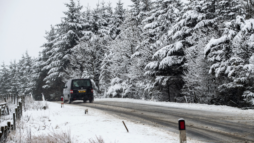 TUC Urges Bosses To Allow Workers Day Off If Snow Continues
