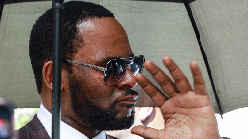 R Kelly Evidence Allegedly Given To Police By Ex-Friends And Employees