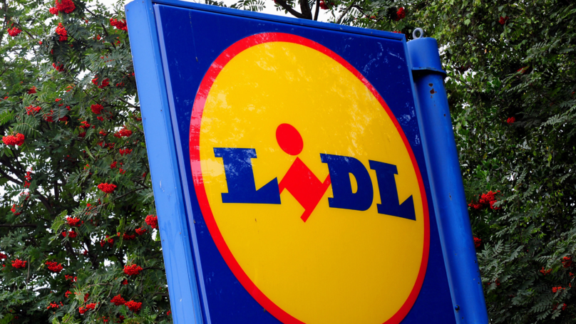 Gang Of Looters Tear Down A Lidl With A Digger