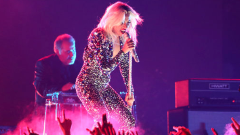 Lady Gaga Performs Glam-Rock Version Of Shallow At The Grammys 2019