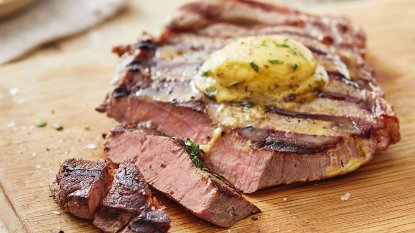 ​Lidl's Deluxe Steak With Béarnaise Sauce Is Perfect For Father's Day