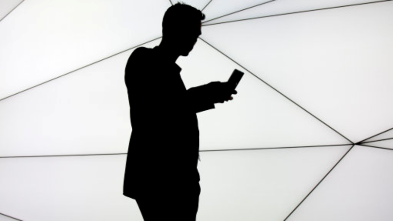 'Landmark' Court Case Links Excessive Phone Use With Brain Tumour