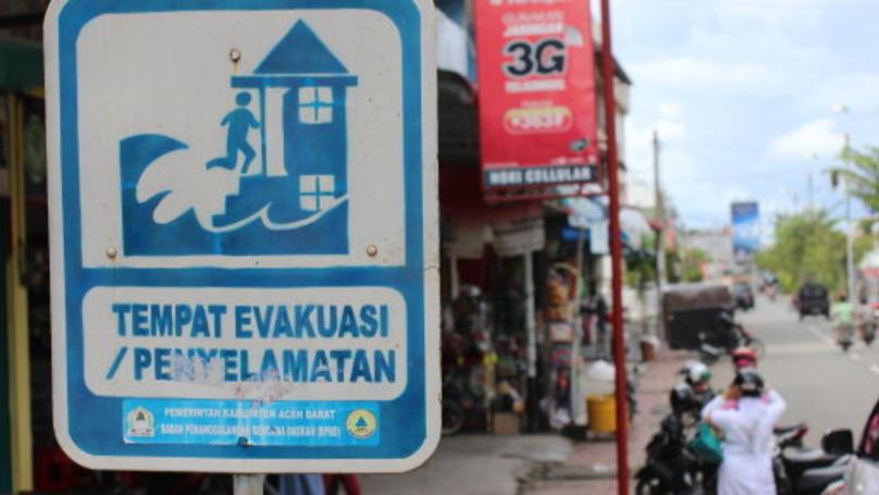 Tsunami Warning Issued After Earthquake Rocks Indonesian Island Near Bali