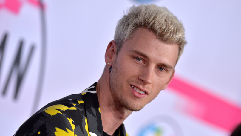 Machine Gun Kelly Rips Eminem On Twitter For Refusing To Perform
