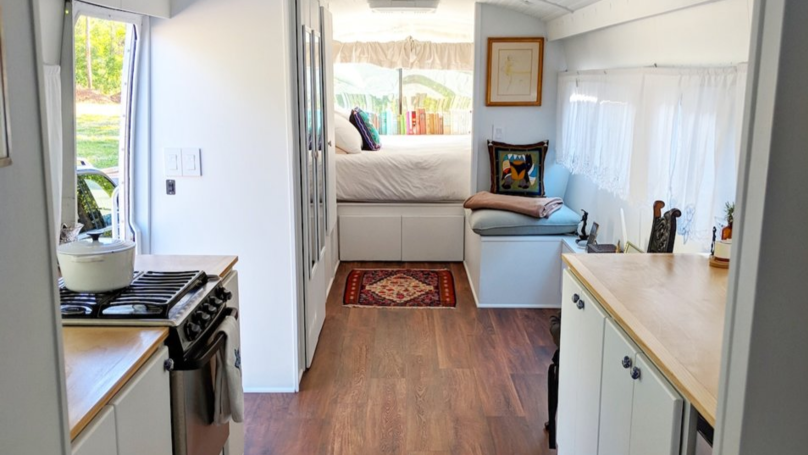 Woman Transforms Old Greyhound Bus Into The Most Incredible Tiny Home