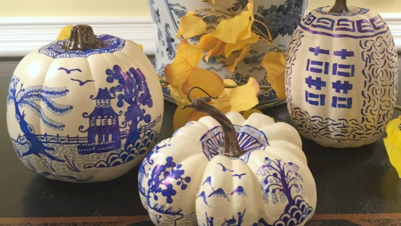 People Are Creating Chinoiserie-Inspired Art On Pumpkins