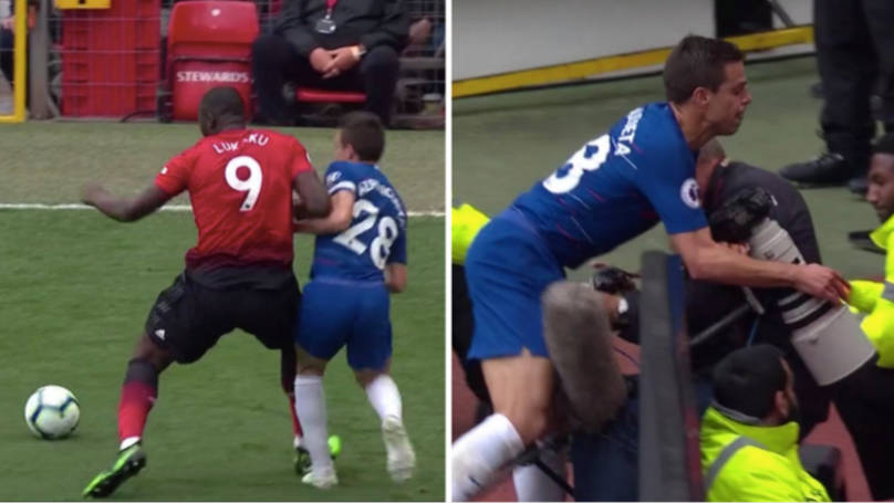 Romelu Lukaku Sends César Azpilicueta Into The Old Trafford Front Row