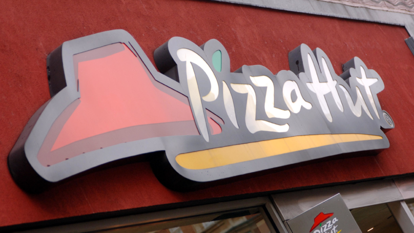 Order Free Pizza Hut Pizza Worth £15 With This Cashback Offer