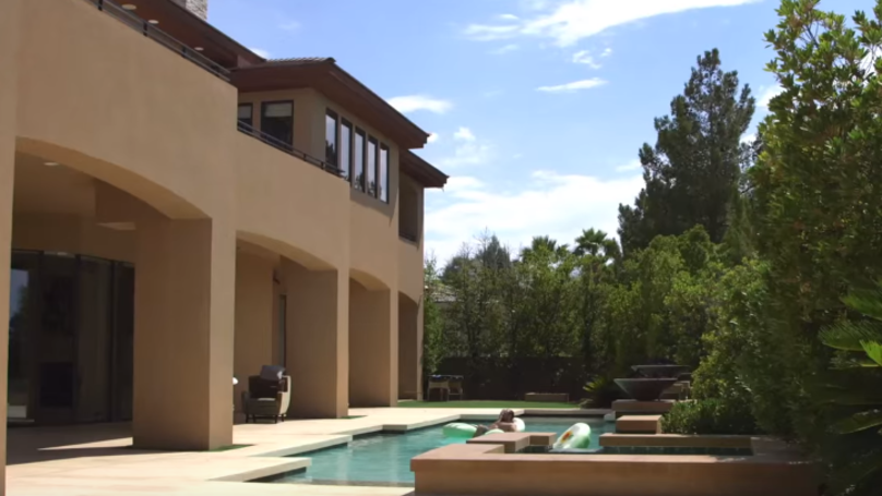 Inside The Amazing 'Mac Mansion' Conor McGregor Stayed At During Training