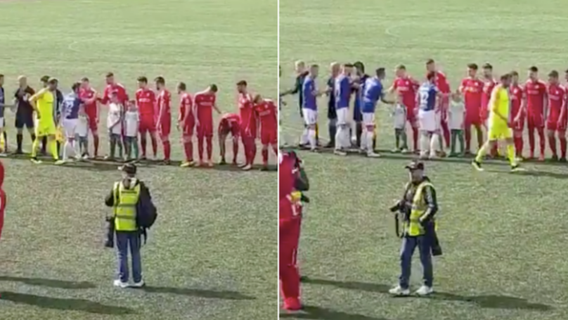 Roy Carroll Refuses To Shake Hands With Opposition Before Game