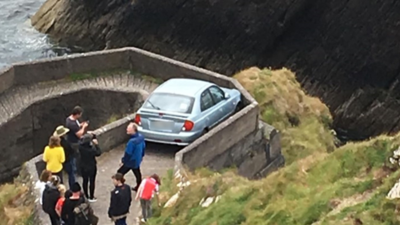 'Super Confident' Driver Gets Stuck On Narrow Seafront Footpath