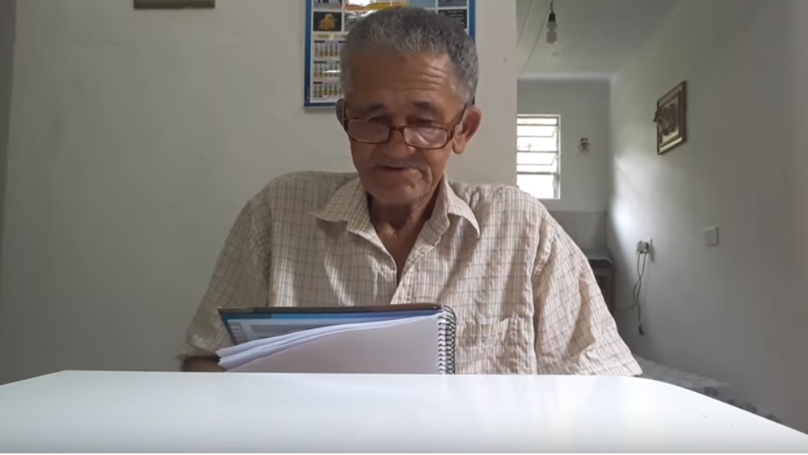 ​Elderly YouTuber Writes Down His Subscribers' Names Then Thanks Them Individually