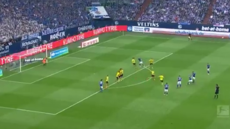 Naldo Scores An Absolute Screamer Of A Free Kick For Schalke