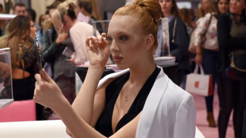 A Bizarre New Eyebrow Trend Is Sweeping Over Instagram