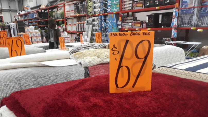 Bunnings Warehouse Is Selling Shag Rugs For $69