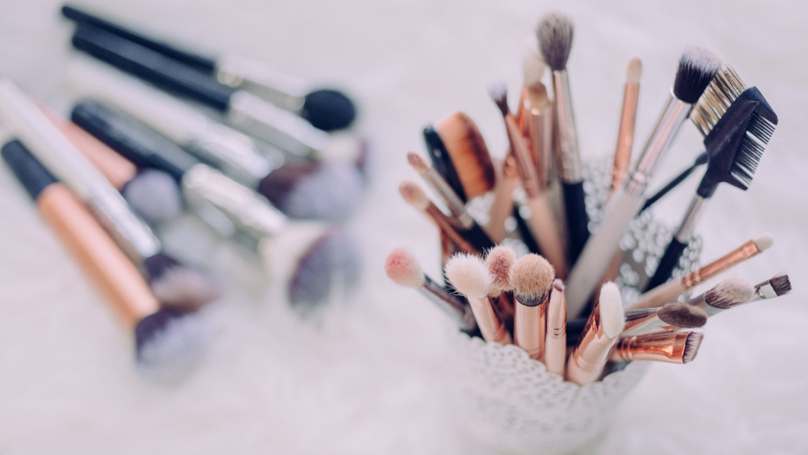 ​Woman Shows The Danger Of Not Washing Your Makeup Brushes In Viral Post