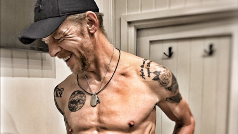 Simon Pegg Shows Off Six Pack And Lean Frame For New Film Role