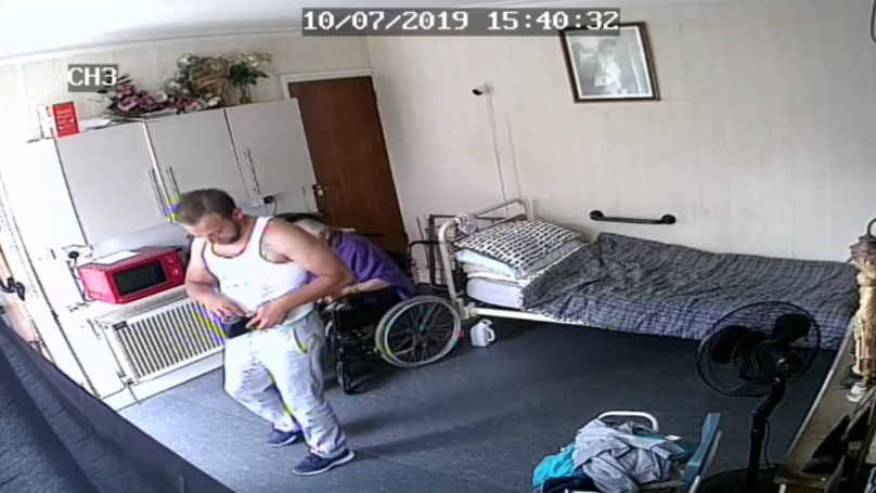 Thief Enters Pensioner's Home And Steals Money In Front Of Him