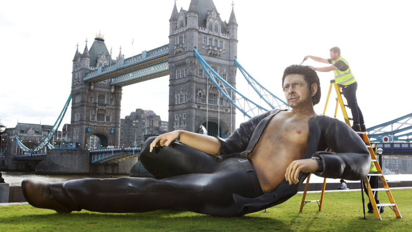 A Massive Statue Of Jeff Goldblum Takes Over Tower Bridge In London