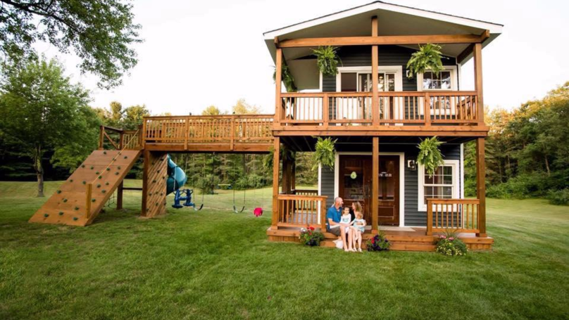 Dad Builds His Daughters An Awesome Two-Storey Playhouse