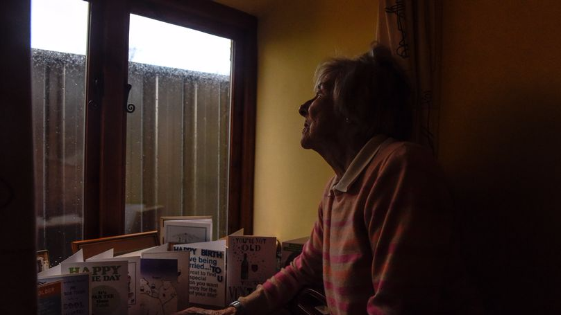 ​Elderly Couple Literally Left In The Dark As Neighbours Put Fence Up Outside Their House