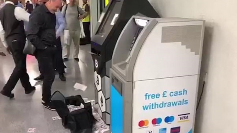 Video Shows ATM Spitting Out £20 Notes At Busy Tube Station