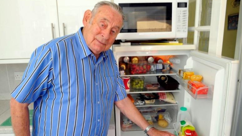 OAP Charged £734 By Amazon For Two Door Hinges Worth £30