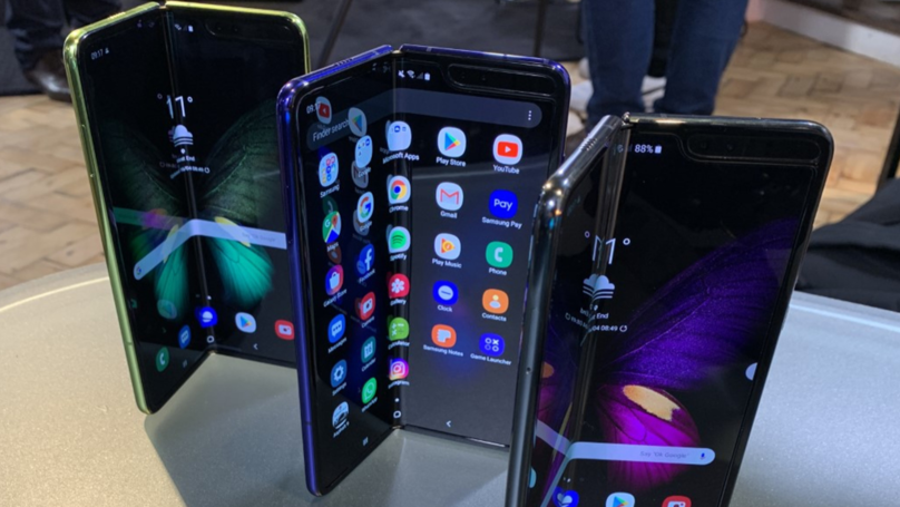 New Samsung Galaxy Foldable Phone Already Seems To Be Breaking
