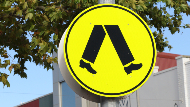 Australian Pedestrians Could Be Fined $200 For Using Phone Crossing The Road