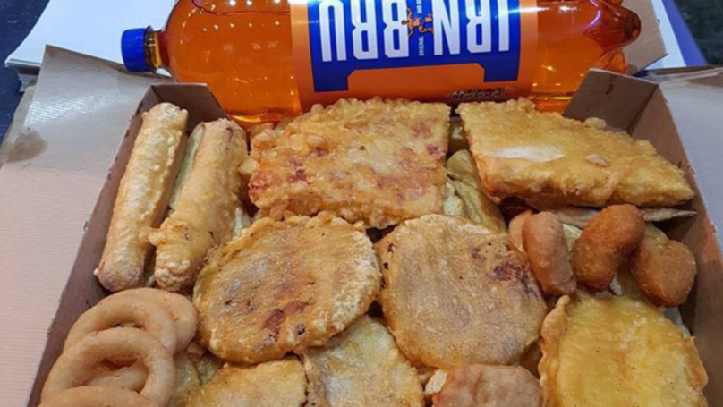 Scottish Takeaway's 7000-Calorie Crunch Box Is Deep Fried Heaven