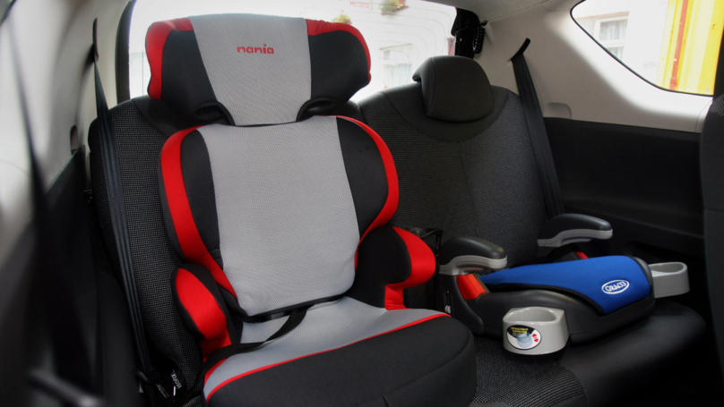 Emergency Medic Warns Parents To Keep Important Note On Child's Car Seat
