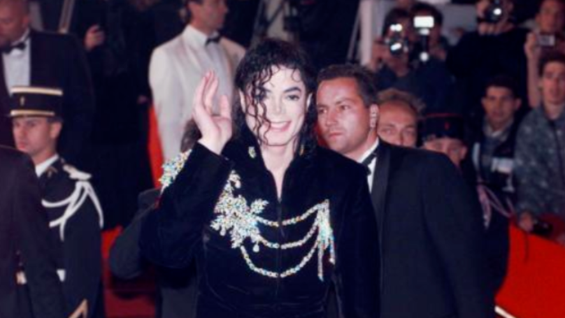 Michael Jackson Biographer Claims Court Docs Prove That Some Of The Allegations Are False