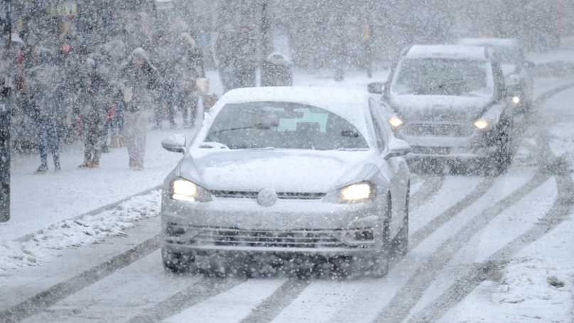 ​Brits Told Not To Travel As They Brace For 20 Inches Of Snow