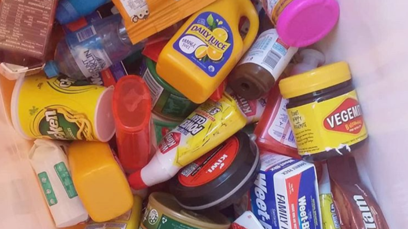 Thousands Sign Petition To Get Rid Of Coles Little Shop Over Plastic Concerns