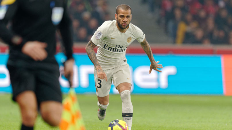 Dani Alves Set To Reject New One Year Deal At PSG