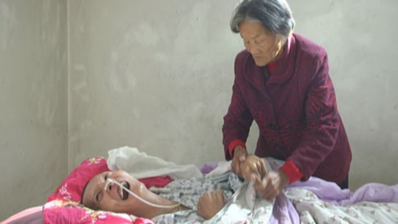Chinese Man Wakes From 12-Year Coma After Elderly Mum Nursed Him