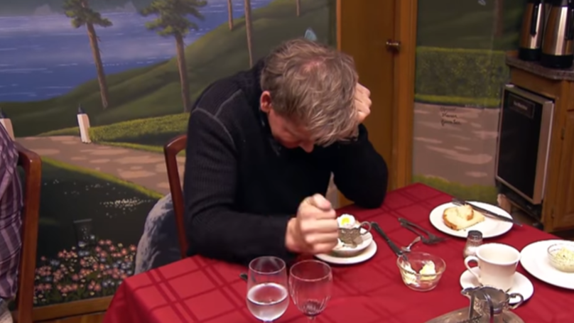 Gordon Ramsay Tears Chef To Pieces Because He Can't Boil An Egg