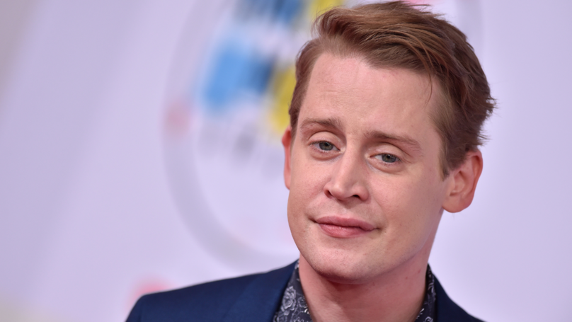 Macaulay Culkin Jokes About Michael Jackson In Front Of MJ's Daughter Paris