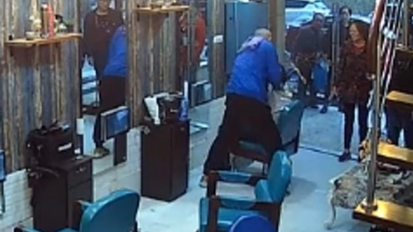 Furious Customer Pins Down Barber And Shaves His Head